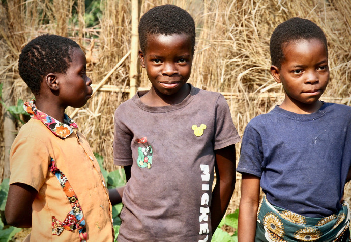 Chisomo, Victoria and Rebecca, Patricia and Oveton's children. Photo: Alan Whelan/Trócaire.