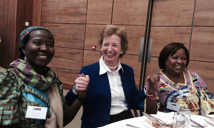 Salomé Ntububa, Annie Matundu Mbambi, Mary Robinson