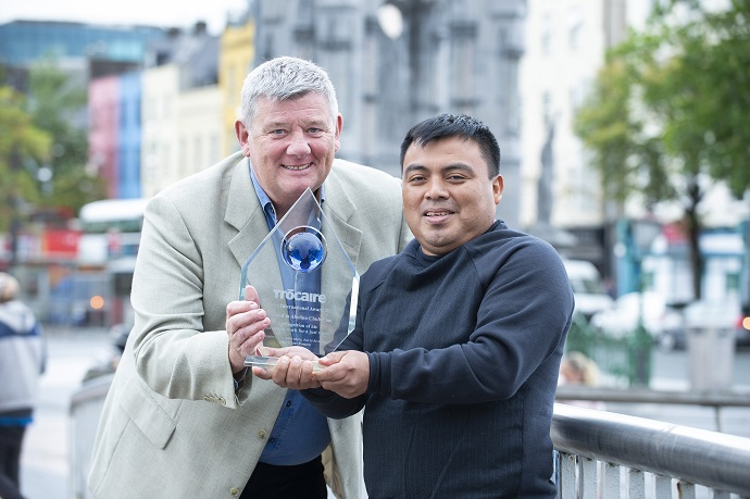 RTÉ Broadcaster John Creedon meets Abelino Chub Caal in Cork city. Photo: Gerard McCarthy