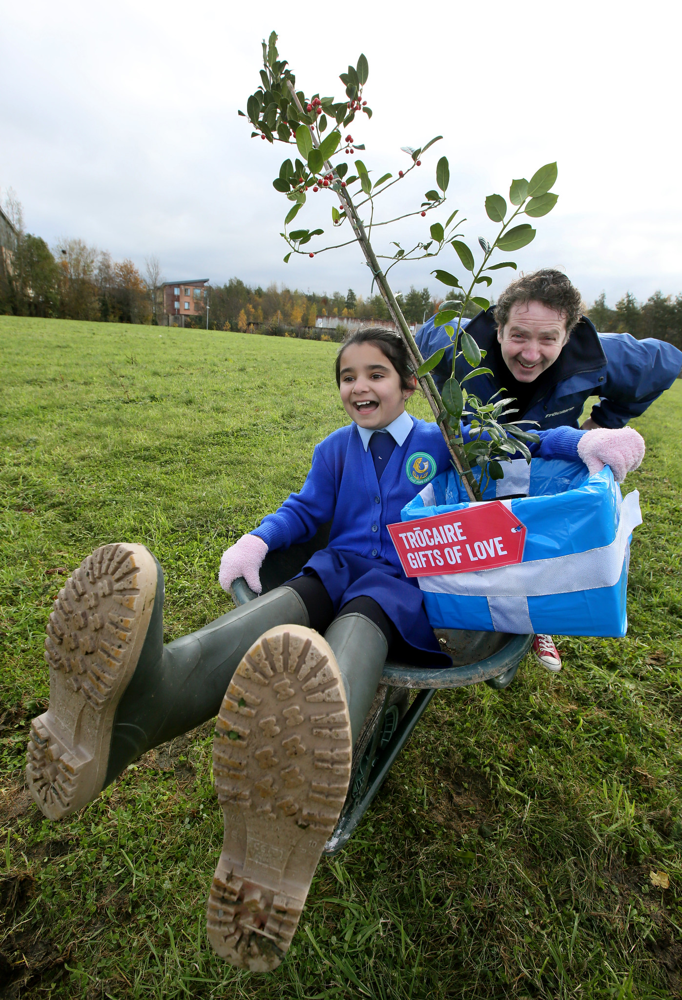 Garden designer Diarmuid Gavin, with Jayden Keogh (aged 7) from Scoil Aoife Community National School, helped to launch Trócaire's Christmas 'Gifts of Love' for 2019 in Citywest, Dublin. Photo : Mark Stedman