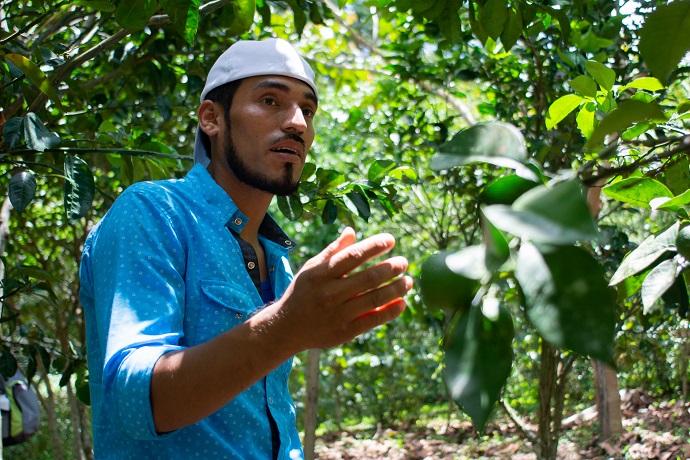 Everth Castro on his eco-friendly farm in Northern Nicaragua. Photo : Giulia Vuillermoz