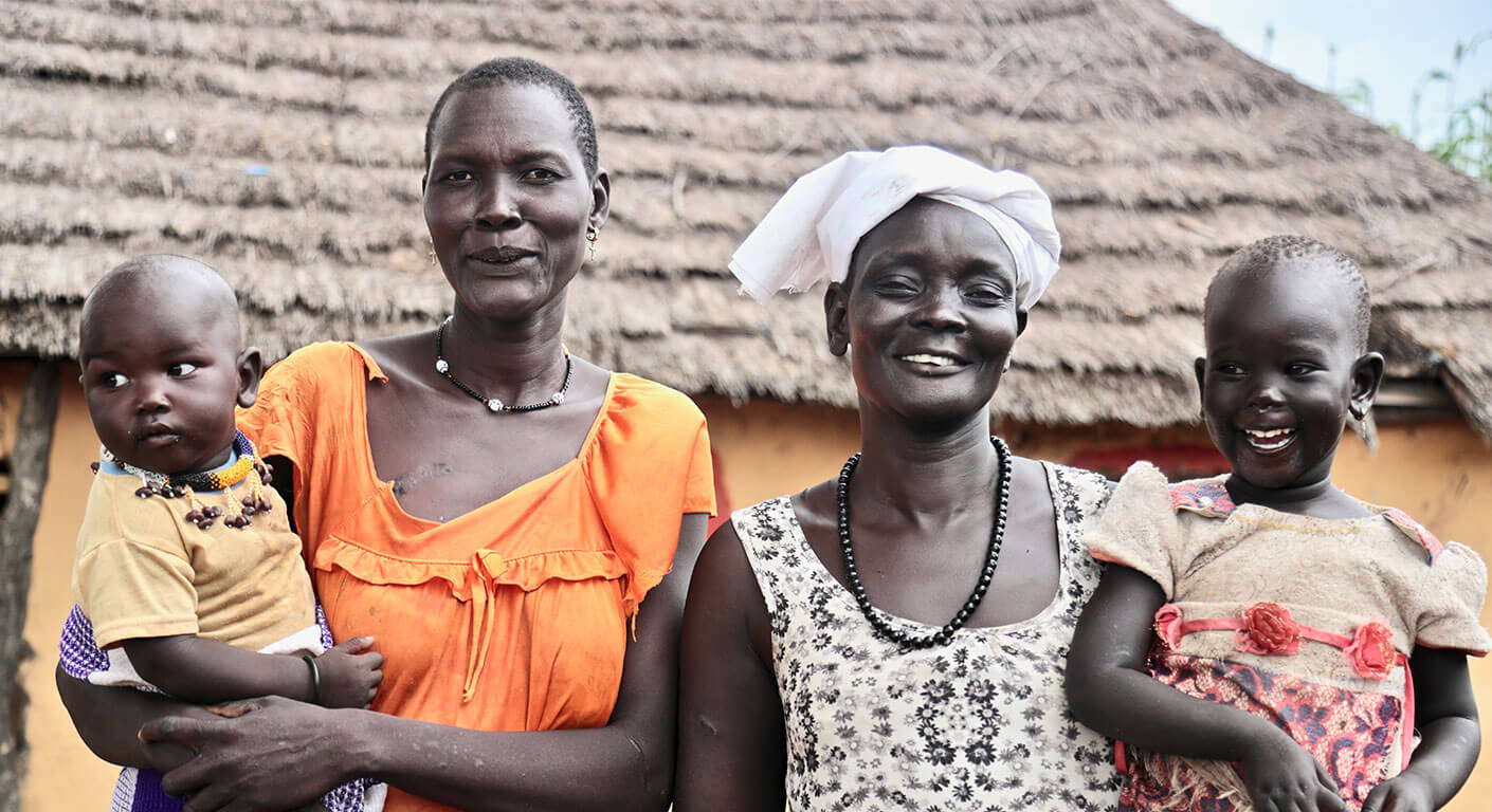 Ajak and Awut have both fled South Sudan's war and now support eachother. Photo : Achuoth Deng / Trócaire