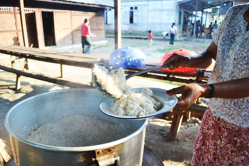 Rice being distributed to displaced in camps for displaced people in Myanmar's Kachin state, where over 100,000 people had fled their homes and haven't been able to return for a decade. Photo : Eoghan Rice.