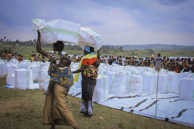 Distributing emergency supplies to people forced to flee fighting in Ituri province of Eastern DR Congo.