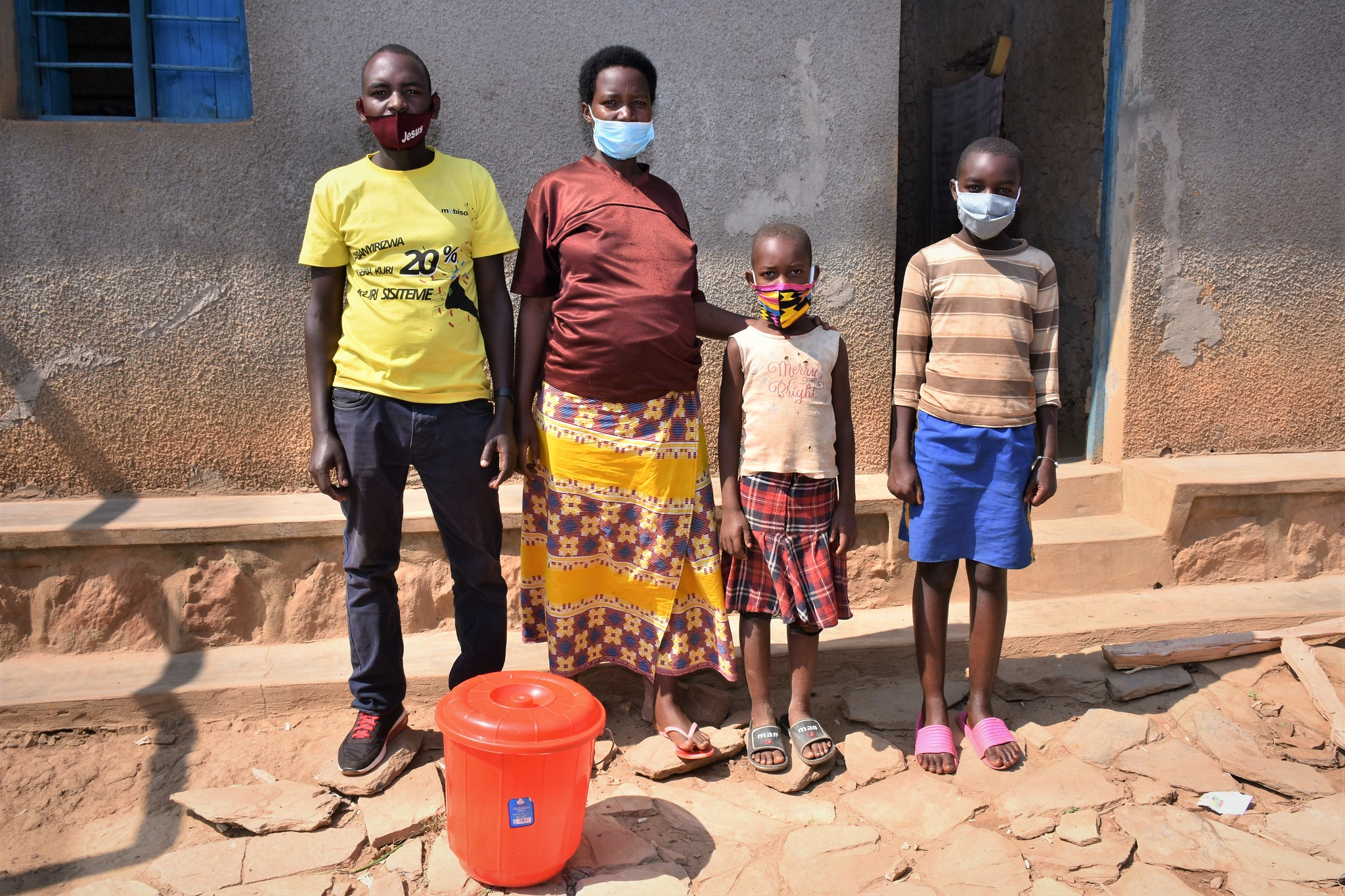Trócaire helps families like Janvier and Sandrine's who are in need of emergency support in Rwanda